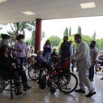 Encabeza Ariel Juárez entrega de aparatos a adultos mayores de Cuautitlán